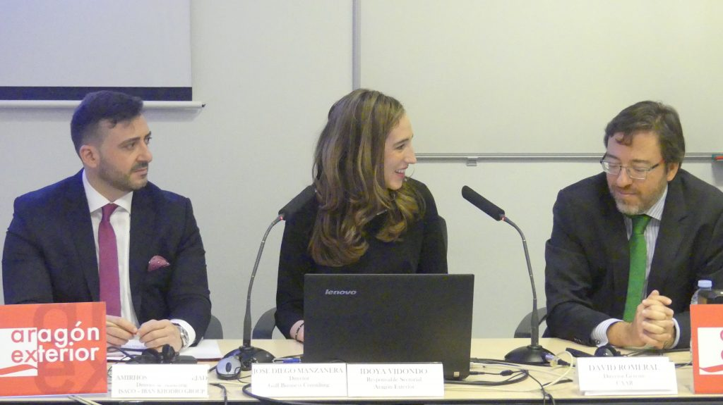 De izquierda a derecha: José Diego Manzanera, director de Gulf Business Consulting & Strategies, Idoya Vidondo, responsable sectorial de Arex, y David Romeral, gerente del CAAR.