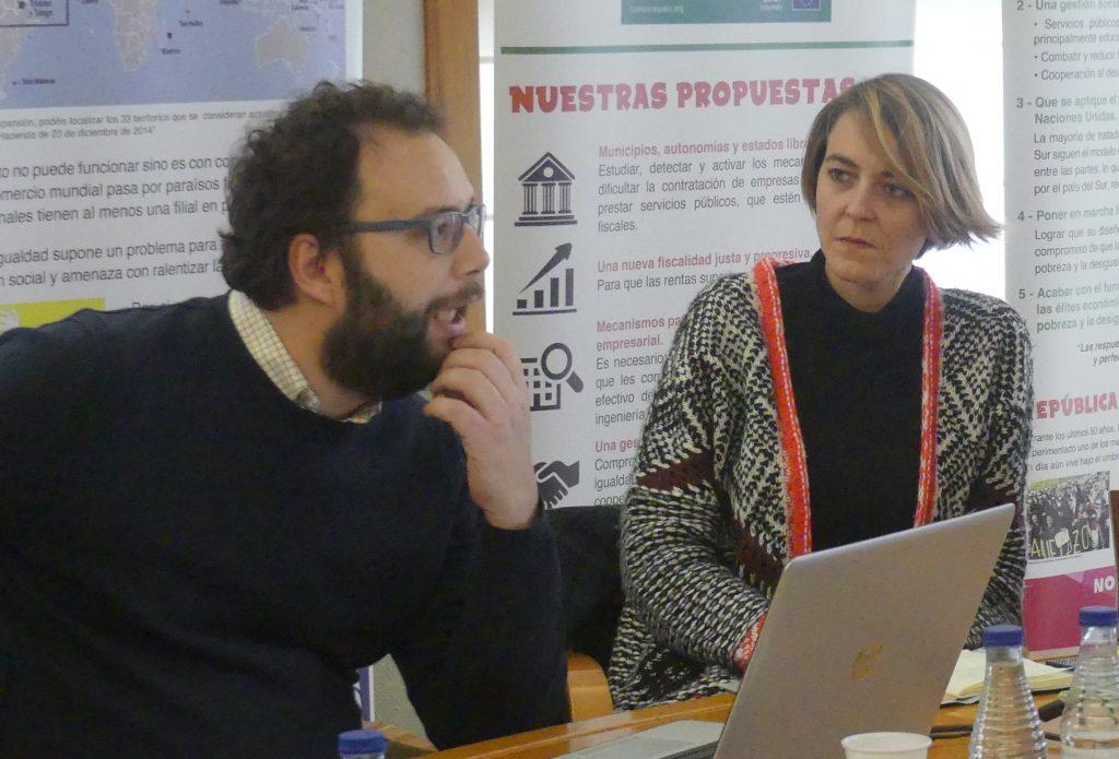 Miguel Alba, responsable de Desigualdad y Sector Privado de Intermon Oxfam, junto a Carolina Rius.