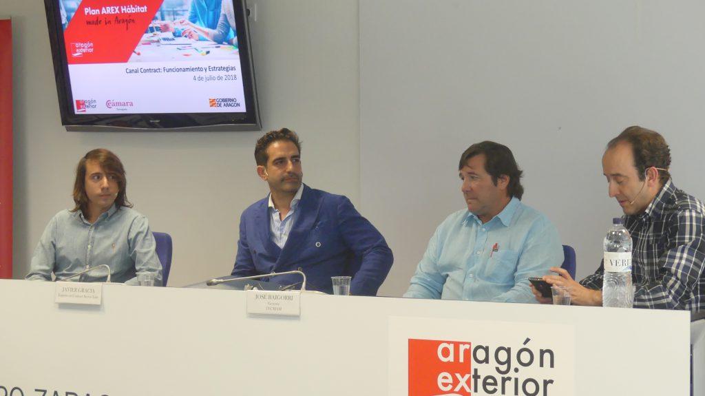 De izquierda a derecha: Xavi Jou, director comercial de Nomon – Clocks & Home, Javier Gracia, vicepresidente para Oriente Medio de kettal.es, José Baigorri, gerente de Tecmam, y David Cámara.