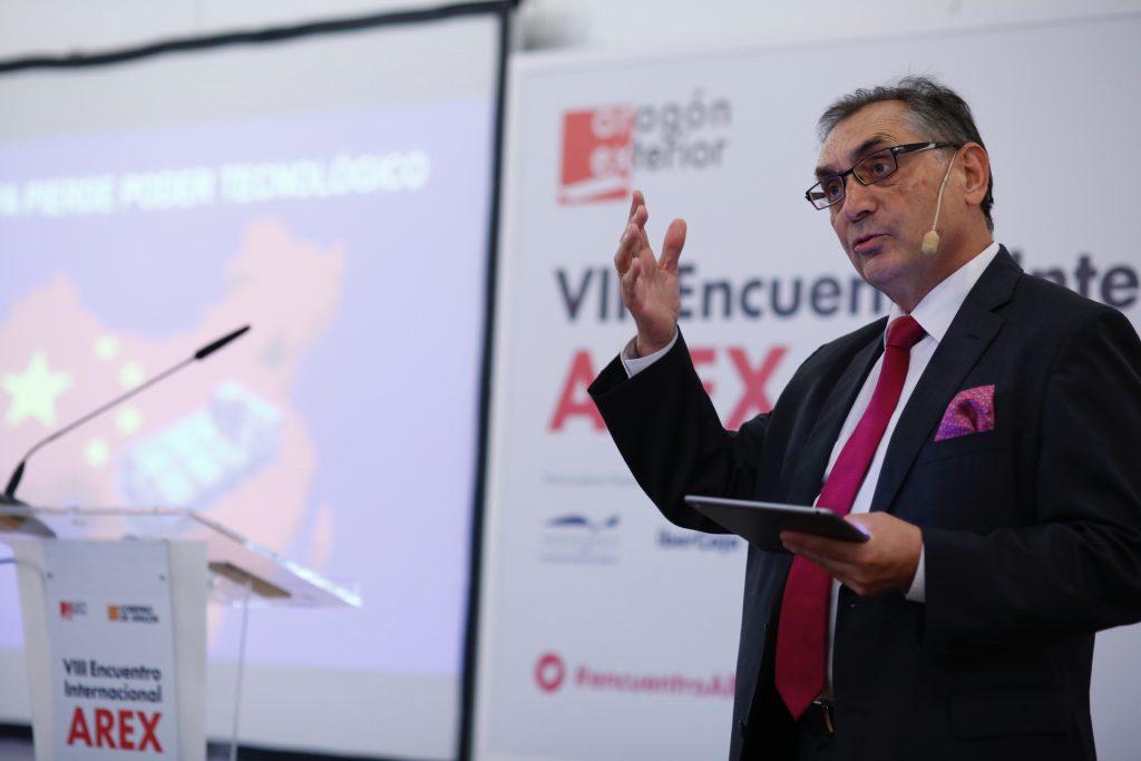 Antonio Cobo, durante su intervención en el VIII Encuentro Arex.