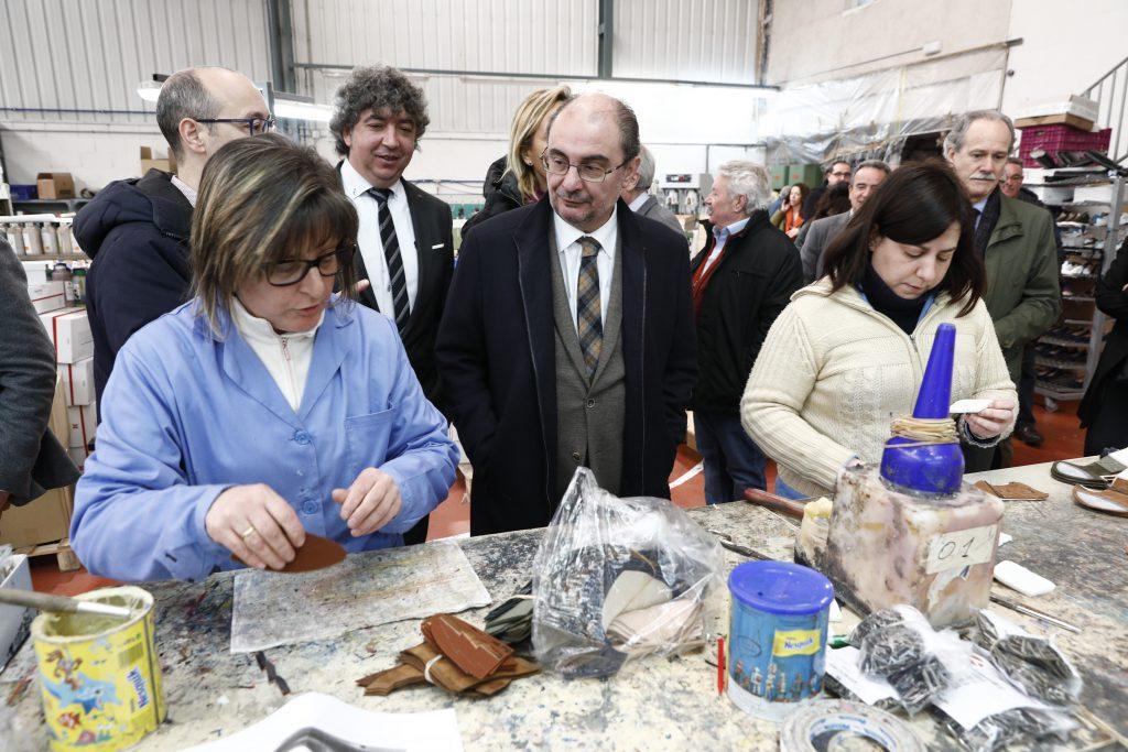 El Gobierno de Aragón y el sector del calzado diseñarán un Plan estratégico para mejorar su competitividad y ampliar mercado