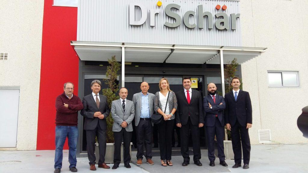 Marta Gastón asiste a la inauguración de las nuevas instalaciones de Dr. Schär en Alagón