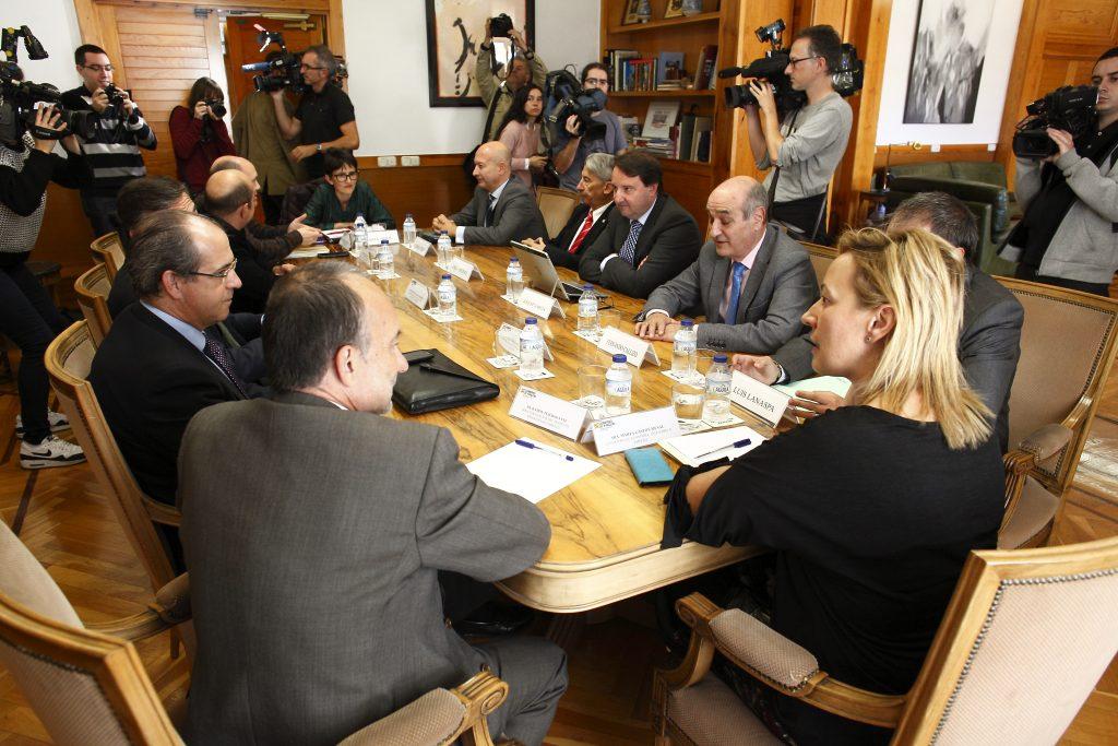 Reunión del grupo de trabajo sobre las afecciones económicas de la crisis catalana.