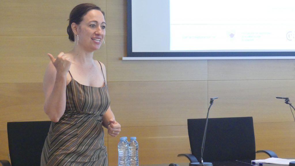 Roser Mestre, responsable del sector agroalimentario en Aragón Exterior, en el Arex Network sobre acciones de promoción en Reino Unido.