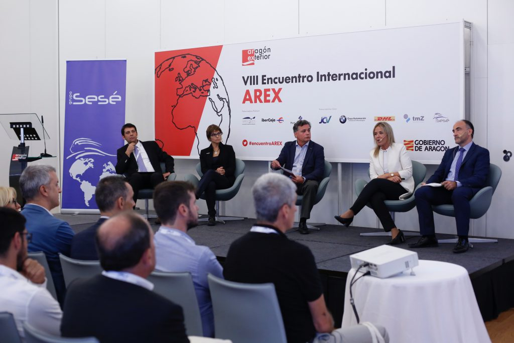 Juan Carlos Muñoz (SEAT), Nayra Hernández (Opel España / PSA Groupe), Luis Humberto Menéndez (Heraldo de Aragón) Araceli Carrasco (Grupo Sesé) y Manuel Jesús Pardo (Grupo Valeo Iluminación).