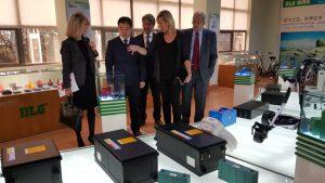 Gastón muestra al fabricante chino de baterías DLG la posición estratégica de Aragón en energía y automoción