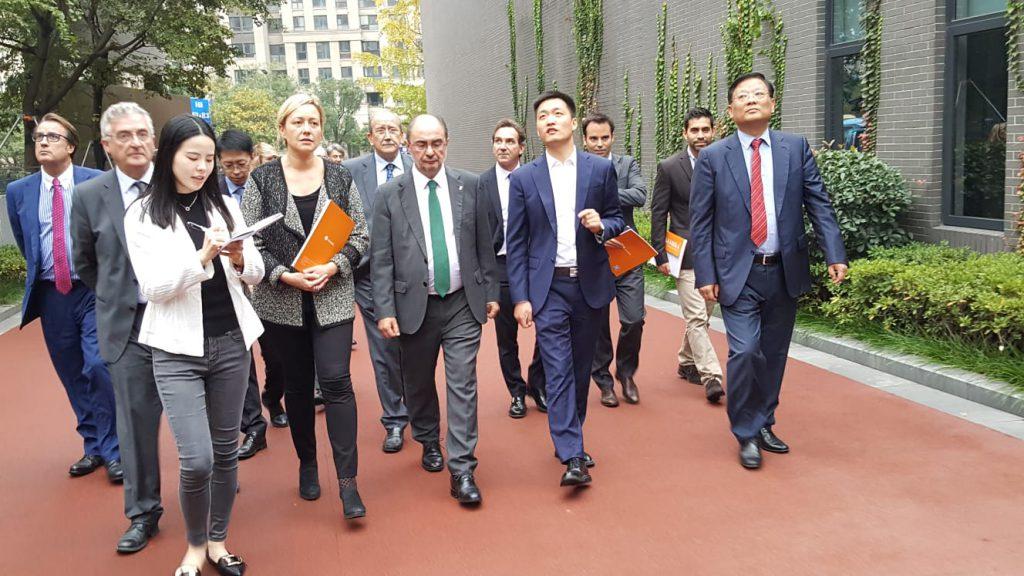 Aragón firma una alianza en Hangzou con Dalian Manna, campus tecnológico líder chino en comercio electrónico