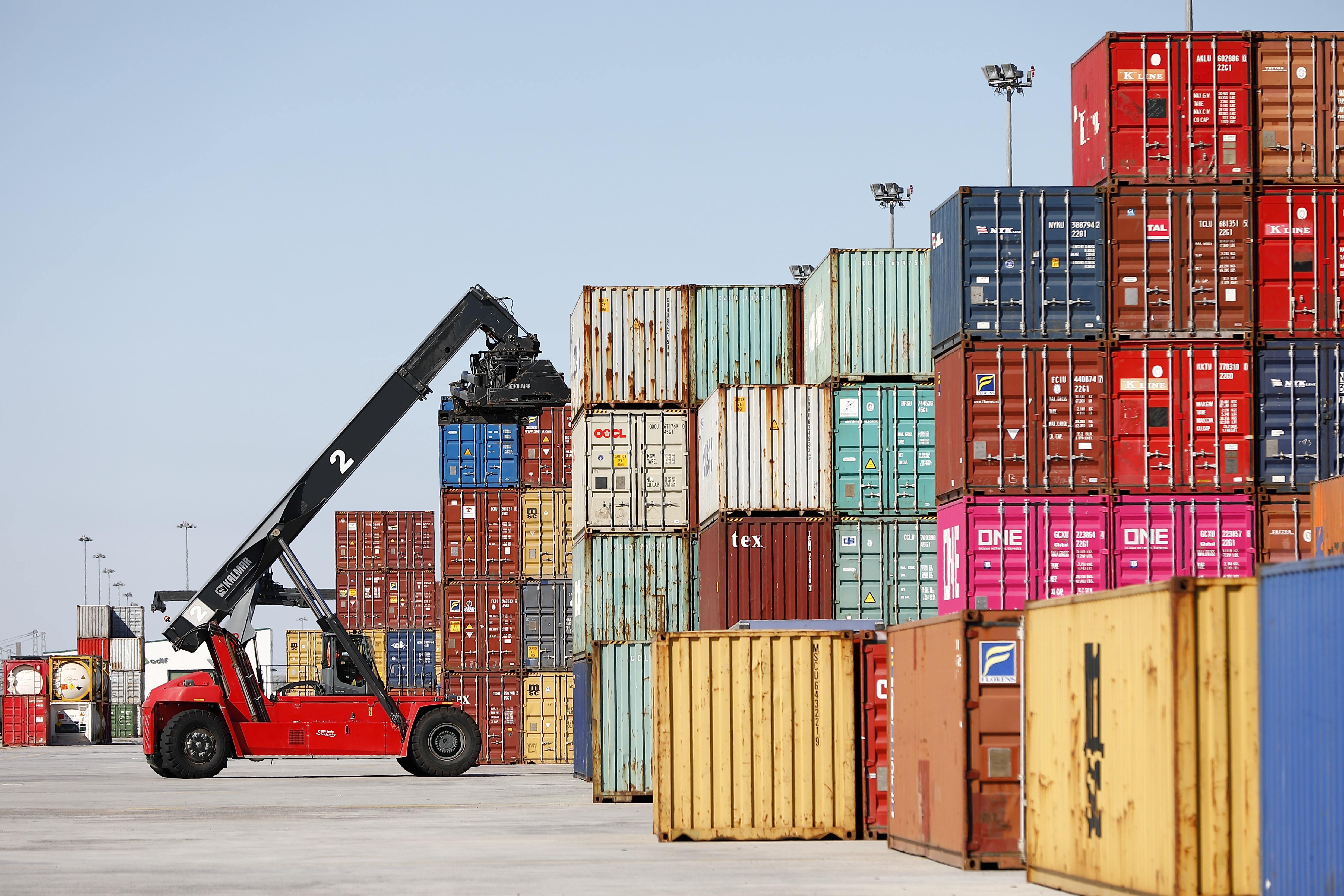 Las exportaciones aragonesas aumentan un 5,3% anual en el mes de noviembre, con una cifra de 1.270,9 millones de euros