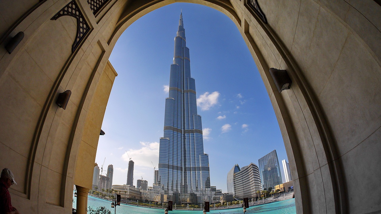 """Emiratos Árabes: """"Los puertos marítimos y el trasporte de mercancías aéreo apenas han sufrido retrasos en lo que respecta a su operativa y, cuando ocurren, están principalmente motivados por las restricciones de los países de origen"""""""