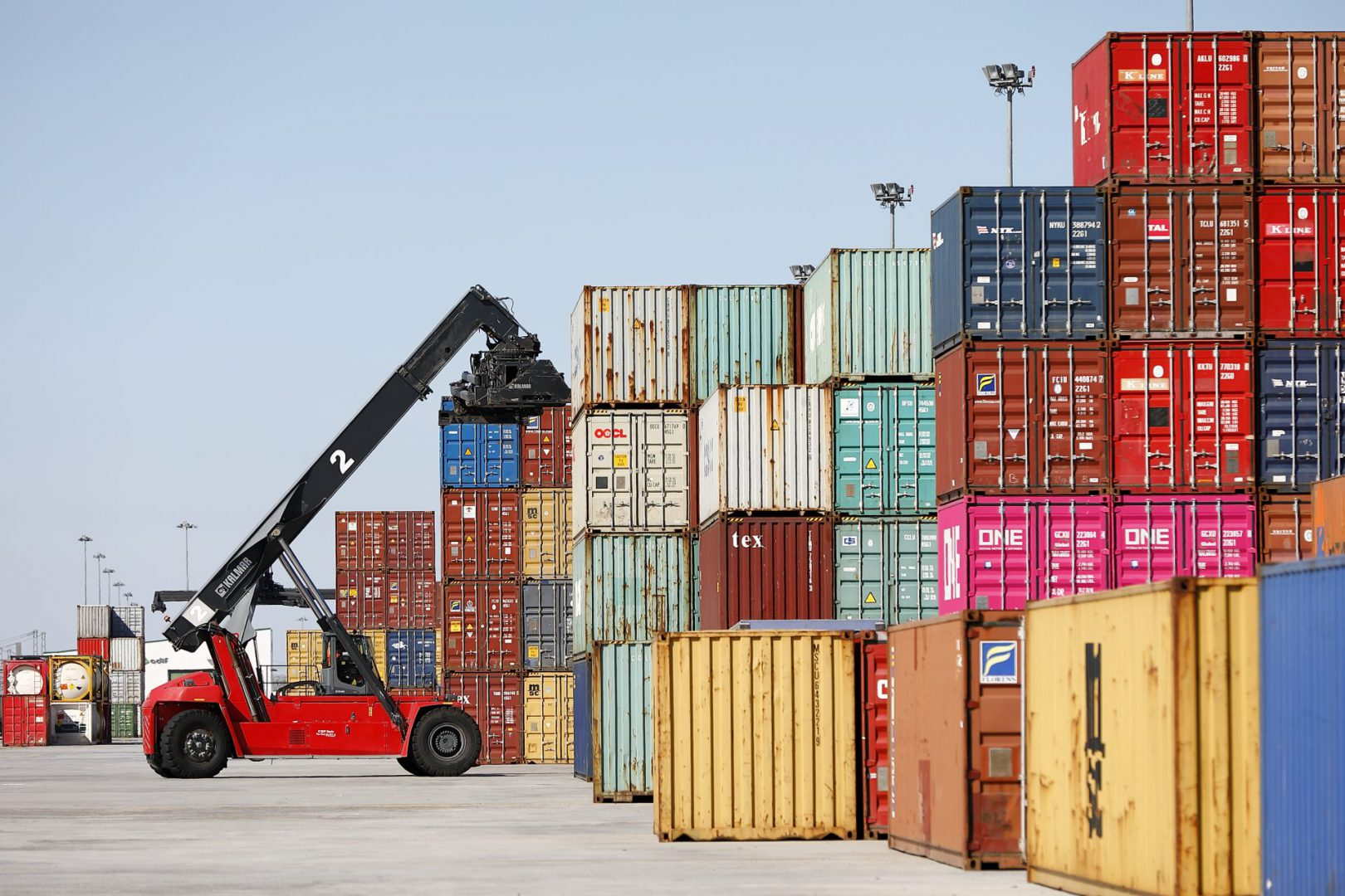 Las exportaciones aragonesas aumentan un 1,6% anual en el mes de junio y superan de nuevo los 1.000 millones de euros