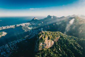 «Las empresas que quieran operar con éxito en Brasil deben tener una visión a largo plazo, establecer representantes, tener inventario local y, si el volumen lo permite, comenzar a fabricar en el país»